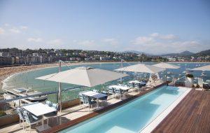 zwembad pool hotel strand beach