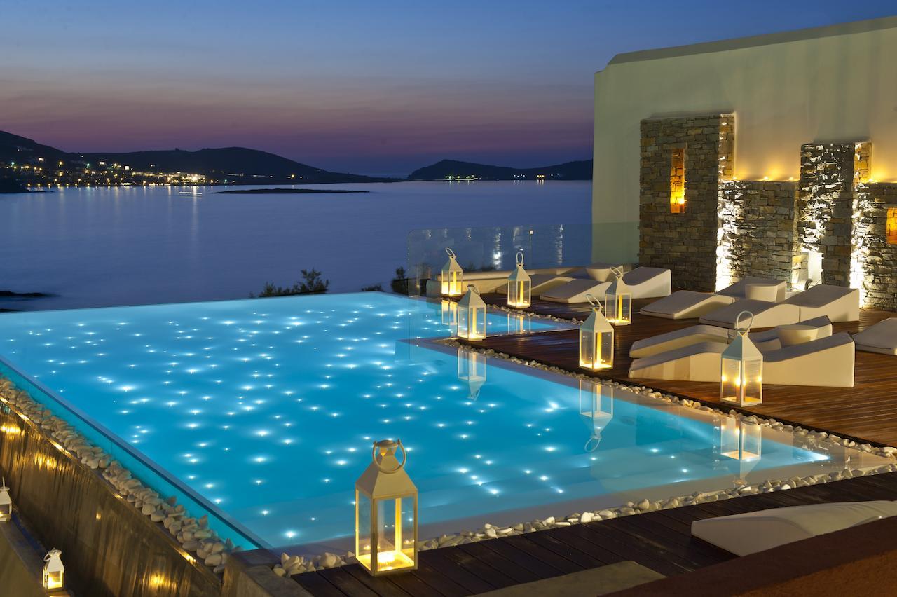 Hotel_Senia_zwembad_nacht_verlicht_uitzicht_zee